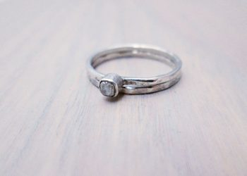 raw diamond engagement ring set